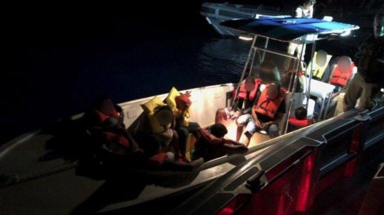 EEUU repatría a 27 balseros cubanos, los primeros desde el 11J
