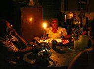 los cubanos sufren hasta tres apagones al dia por fallos en el servicio electrico