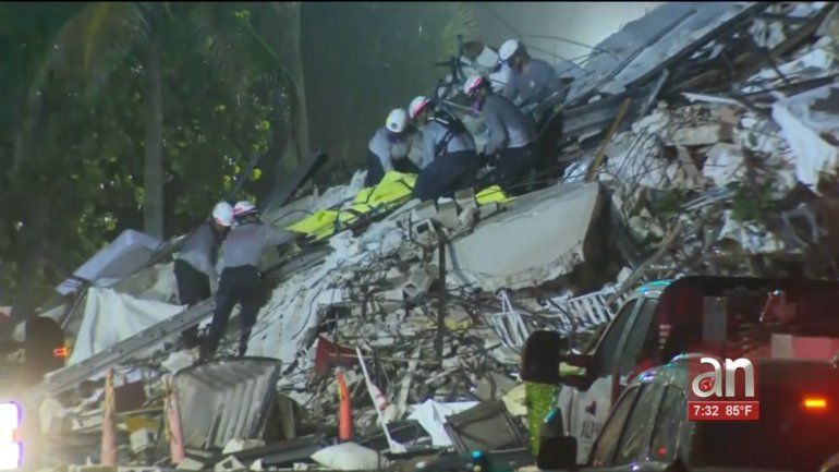 El número de muertos por colapso de Surfside aumenta a 64, con 76 desaparecidos