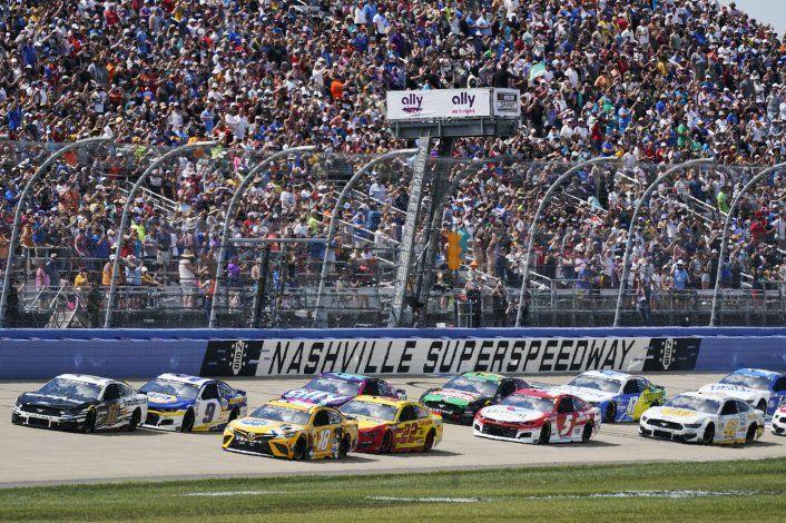 Copropietario de NASCAR Pitbull regresa al escenario
