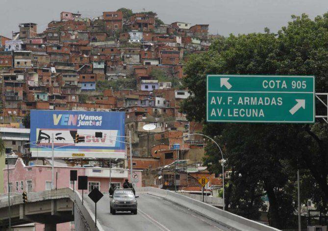 Caracas: Desplazados, allanamientos, rescates e incautaciones dejó el operativo en la Cota 905