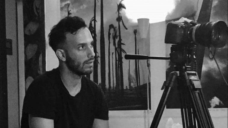 En un juicio sumario y sin defensa, el régimen cubano condenó a un año de prisión a Anyelo Troya, uno de los artistas detrás de Patria y Vida