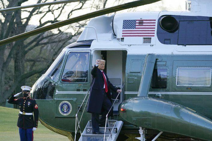 LO ÚLTIMO: Trump parte por última vez como presidente