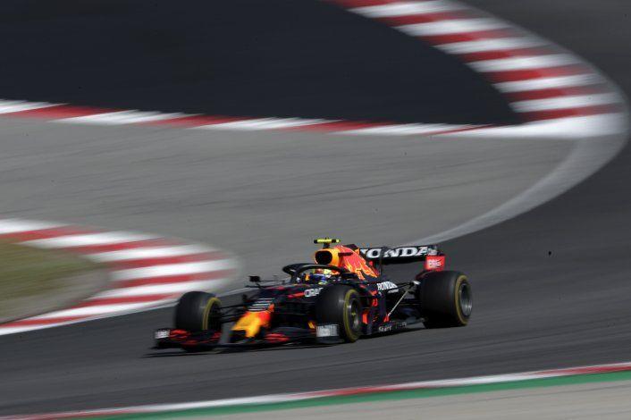 Hamilton se impone en Portugal, Pérez cuarto