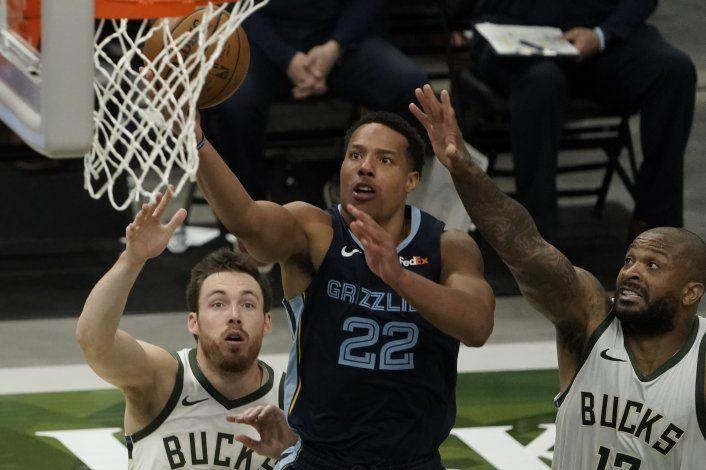 Grizzlies abren gira con otra victoria, ahora sobre Bucks