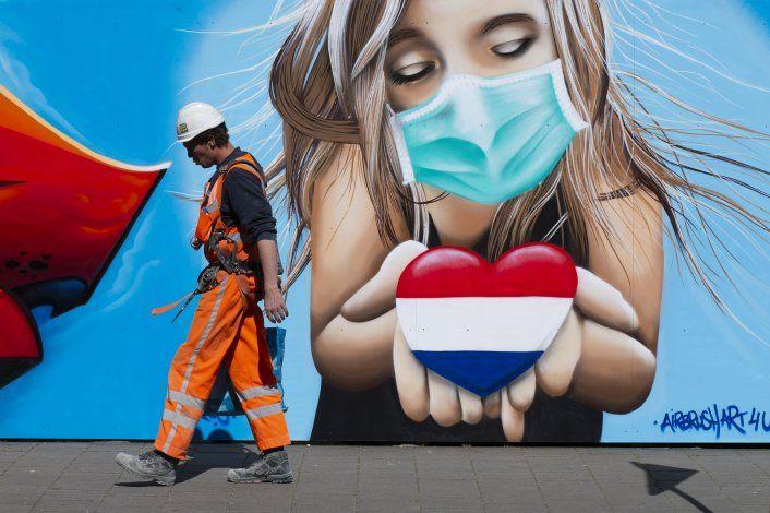 Holanda endurece normas COVID-19 para vacacionistas