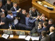 ucrania acusa de alta traicion a diputados prorrusos por negocios en crimea