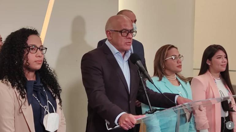Gobierno venezolano asegura que se mantiene en diálogo tras aclarar impasse con Noruega