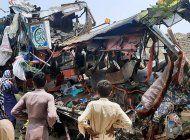 pakistan: 28 muertos y 40 heridos en un accidente de autobus