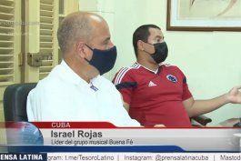 israel rojas junto al profesor lazo acusa a los cantantes populares en cuba de confundir a la juventud al hablar contra la revolucion