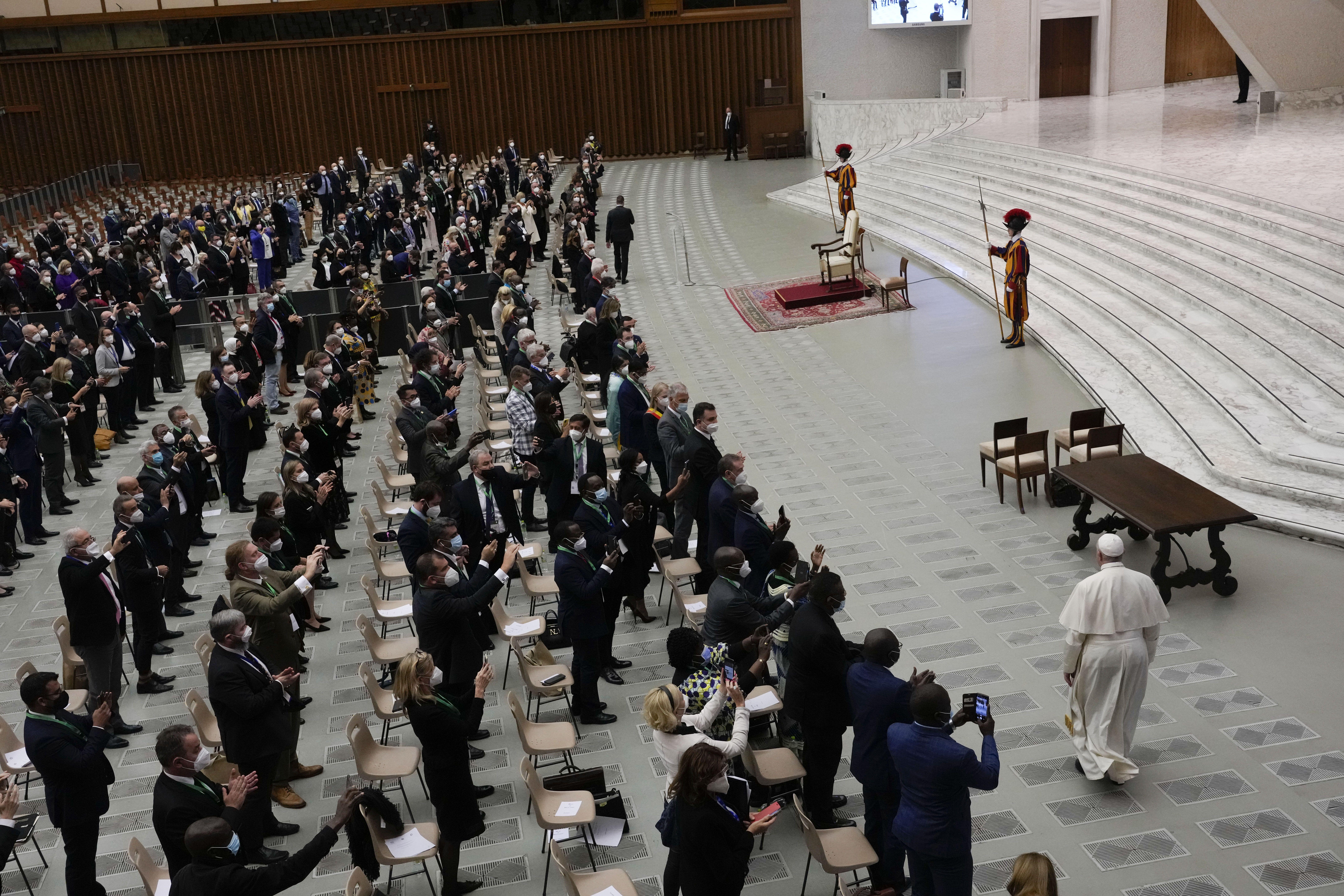 papa al mundo: el cambio climatico requiere consenso rapido