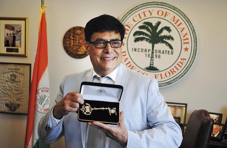 Muere el reconocido locutor cubano Adrián Mesa