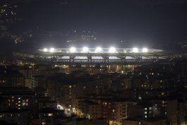 napoli rebautiza estadio en honor de maradona