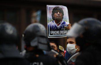 Argentina empieza a despedir a Maradona