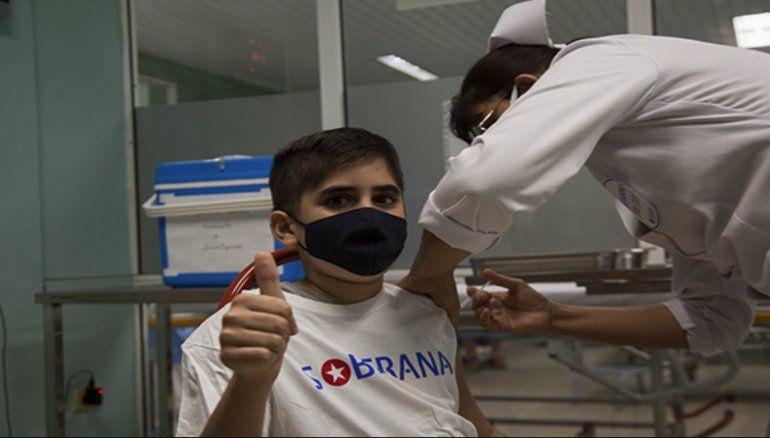 Aprobado en Cuba el uso de emergencia de Soberana 02 en niños: comienza el mismo día la vacunación en menores