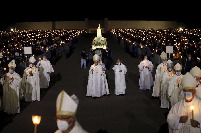 Santuario portugués de Fátima recibe fieles para misas