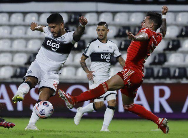 Internacional consigue empate ante Olimpia en Asunción