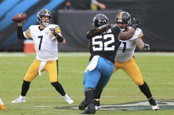 Steelers dominan a Jaguars y conservan la marca perfecta