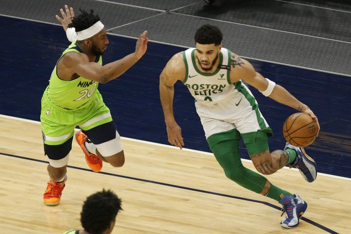 Sin equipo completo, Celtics superan a Timberwolves