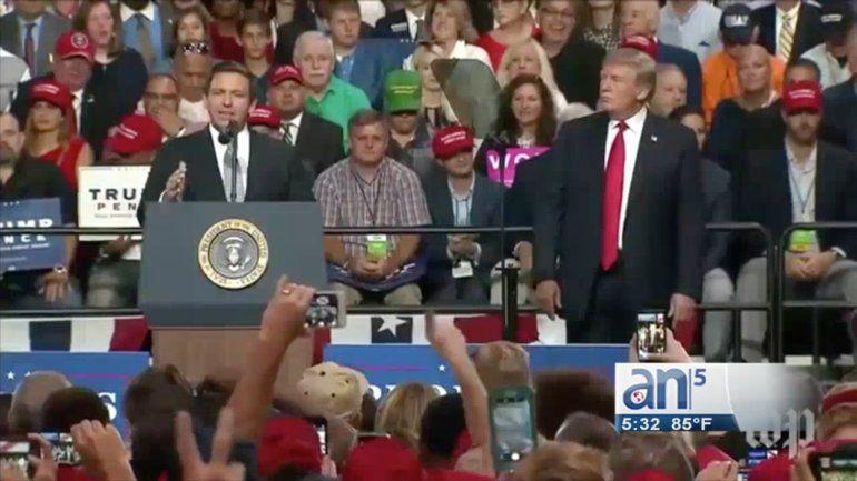 El presidente Donald Trump visitó anoche la ciudad de Tampa en Florida