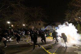 juego de mellizos pospuesto tras muerte a manos de policia