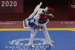 refugiada irani vence a doble campeona olimpica en taekwondo