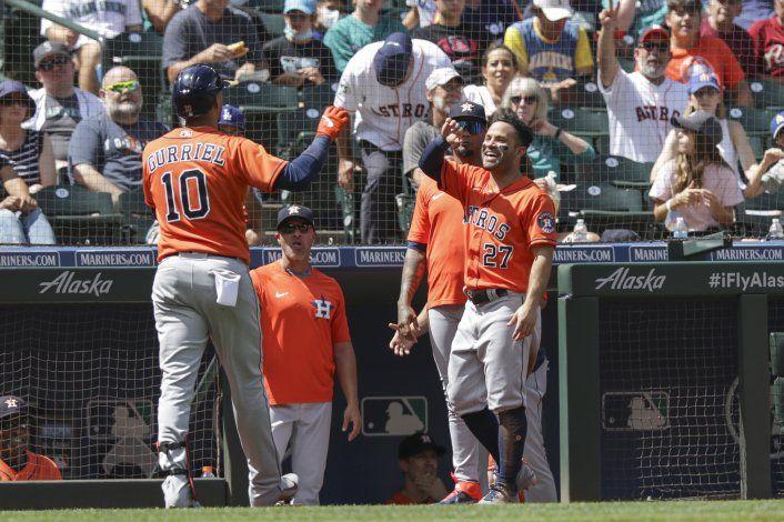 Gurriel y Astros toman gran ventaja para arrollar en Seattle