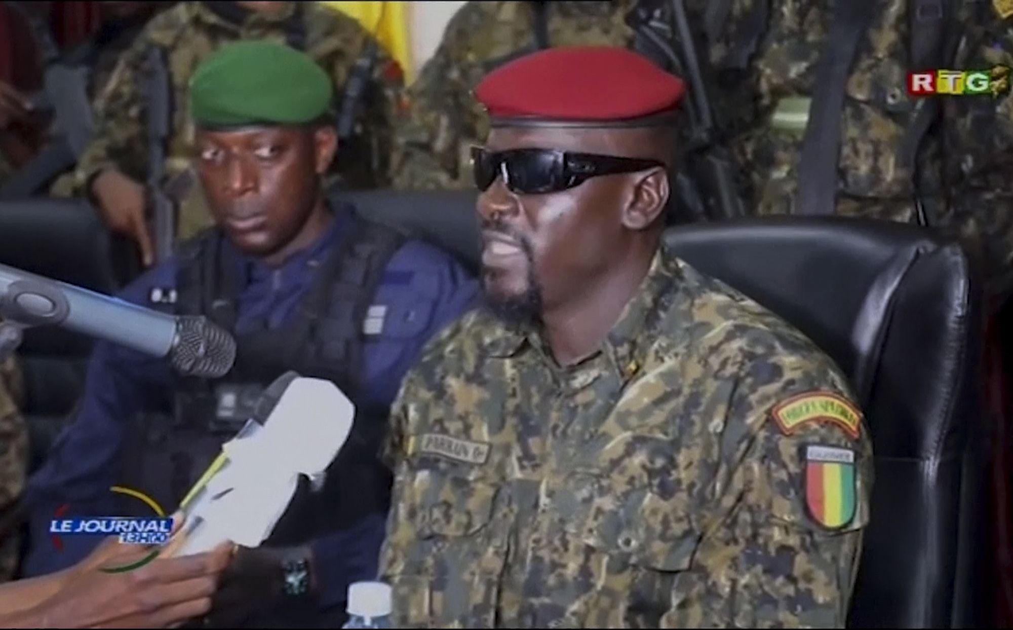 junta golpista de guinea libera a presos politicos