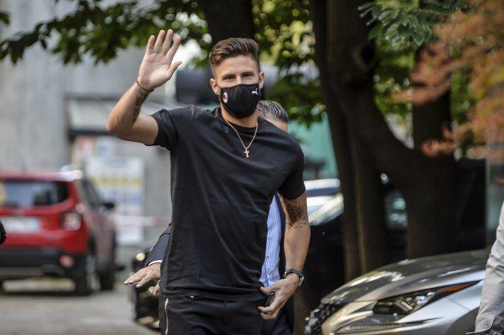 Artillero francés Giroud firma con Milan