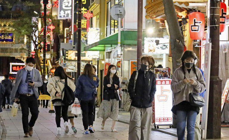 Japón eleva alerta por COVID-19 ante propagación de variante