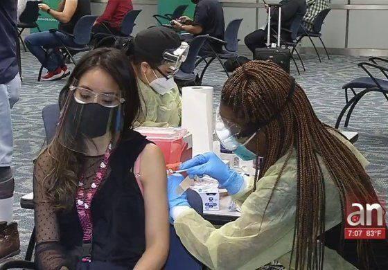 Abren Centro de vacunación en Aeropuerto Internacional de Miami