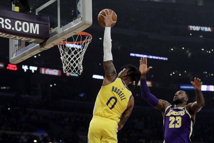 Lakers superan a Warriors 120-94, lideran NBA con foja 9-2