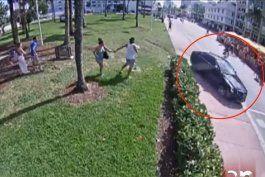 persecuciones de pelicula en el corazon de miami beach: policias atrapan a ladrones de autos ante el asombro de turistas