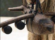 louis vuitton lanza un bolso con forma de avion que cuesta mas que un avion real