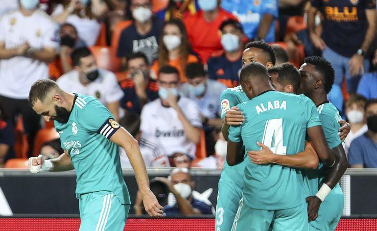 Real Madrid anestesia al Valencia y queda como único líder