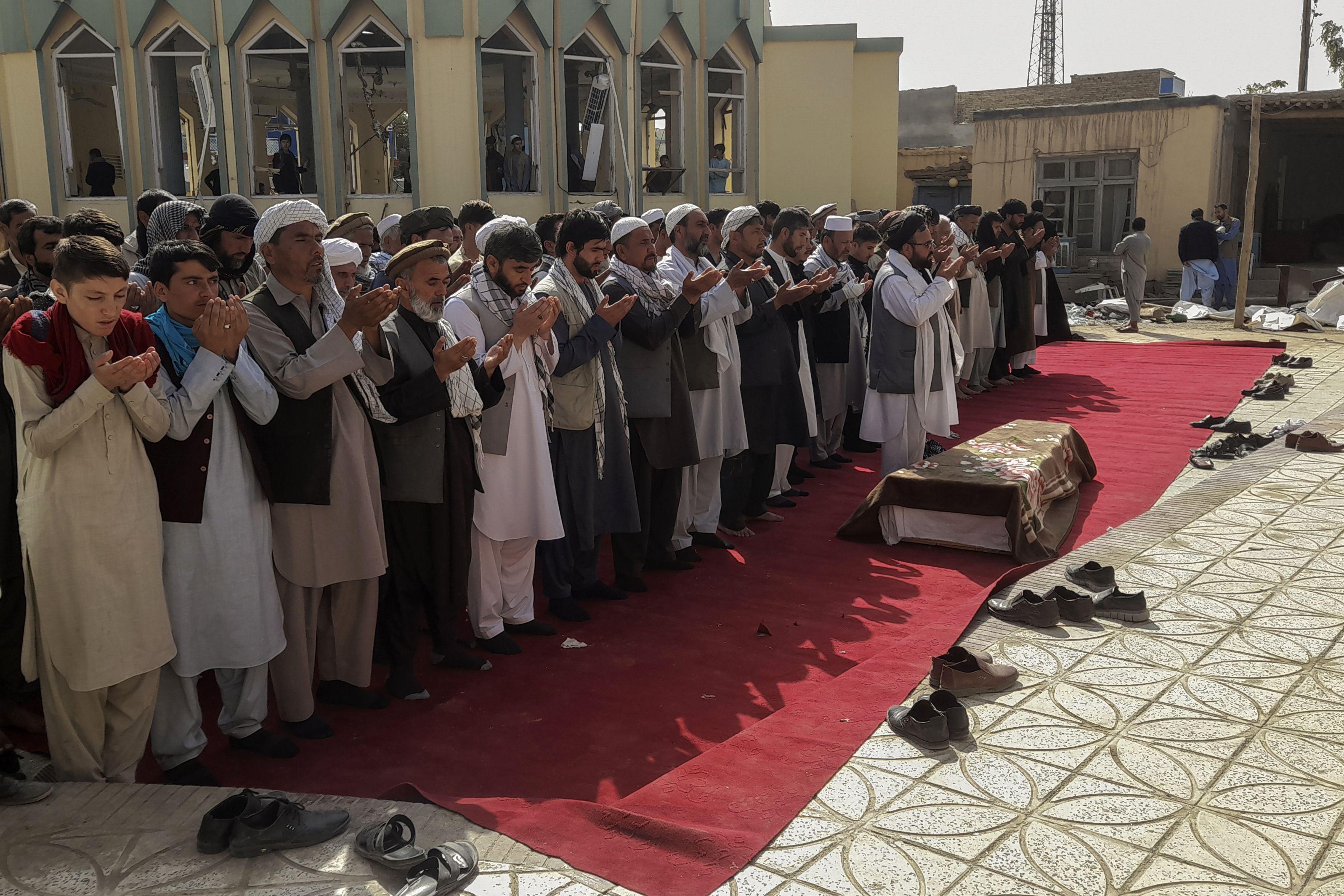 taliban dice que no cooperara con eeuu para contener a ei