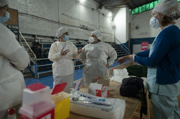 Vacunas Sputnik V producidas en Argentina reciben aval Rusia