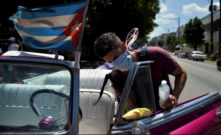 No vamos a entregar el sector no estatal, adelanta Díaz-Canel antes de debate en el congreso comunista
