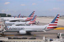American Airlines se ha visto obligada a cancelar cientos de vuelos. (Archivo)