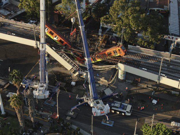 Accidente del metro de Ciudad de México pega a trabajadores