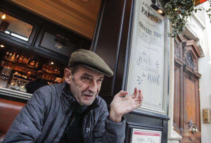 Líder de ETA, enjuiciado en Francia, se disculpa por muertes