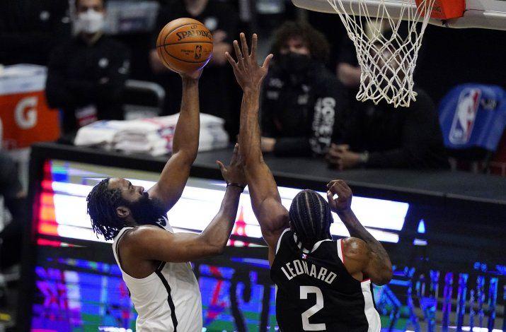 Harden anota 37 puntos y Nets resisten ante Clippers