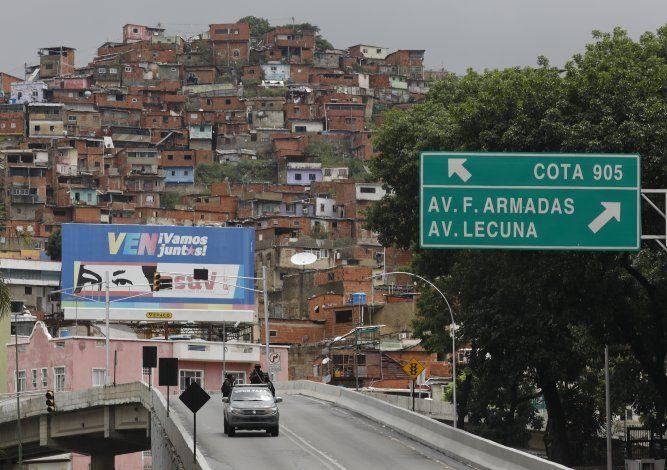 Gobierno de Maduro denuncia complot para asesinarlo