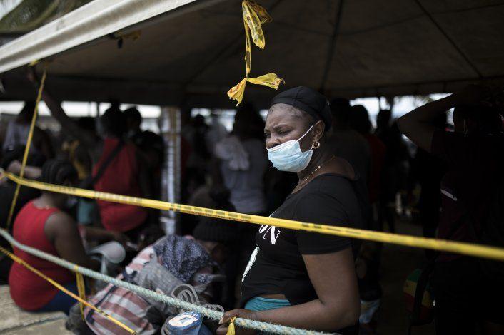 Colombia vive crisis humanitaria; miles de migrantes varados