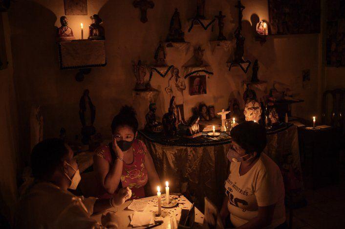 Sanación ritual de espiritistas gana lugar en Venezuela