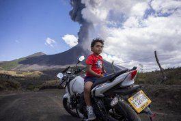 volcan de pacaya mantiene en alerta a guatemala