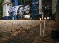 argentina despide al maradona mortal; celebra al mito