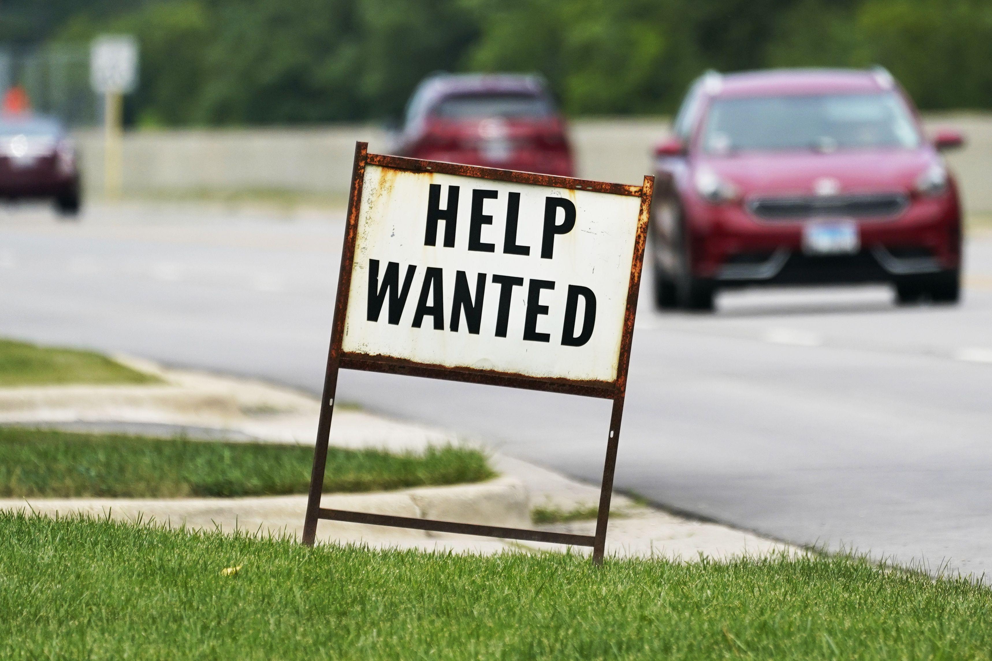 bajan solicitudes del seguro semanal por desempleo en eeuu