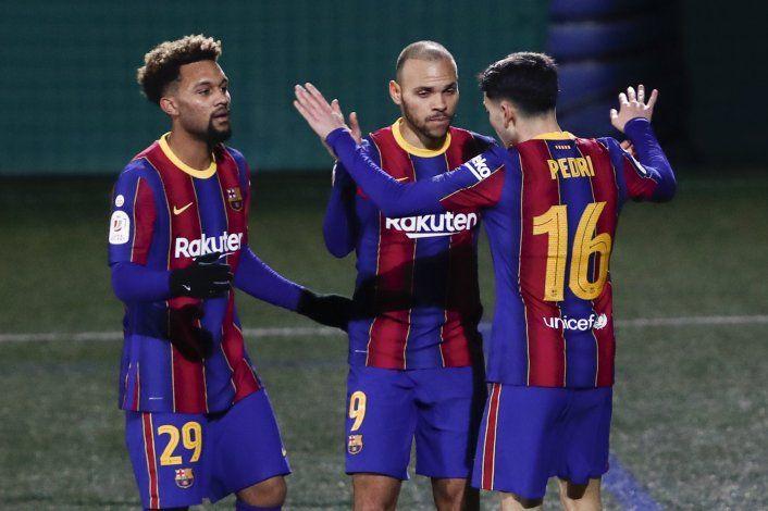 Barcelona falla 2 penales pero vence a Cornellà en Copa