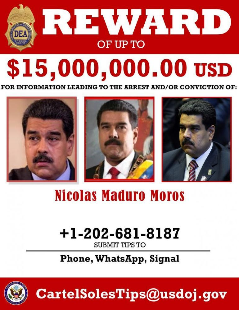 En marzo de 2020, el Departamento de Justicia de EEUU acusó a Maduro de tráfico de drogas y ha ofrecido 15 millones de dólares por su captura